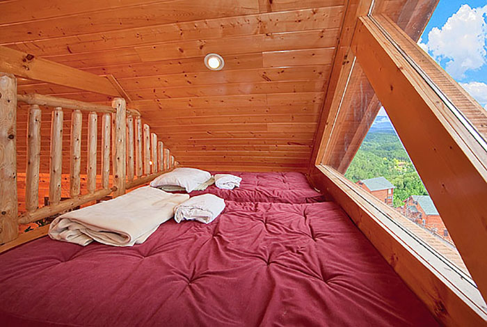 Pigeon Forge Cabin Sugar Bear 39 S Den 1 Bedroom Sleeps 6