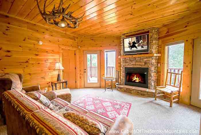 Pigeon forge cabin knotty but nice 4 bedroom sleeps 12 - 12 bedroom cabins in gatlinburg tn ...