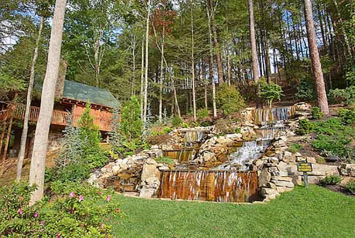 Gatlinburg cabin the crown jewel 5 bedroom sleeps 18 - Gatlinburg falls resort swimming pool ...