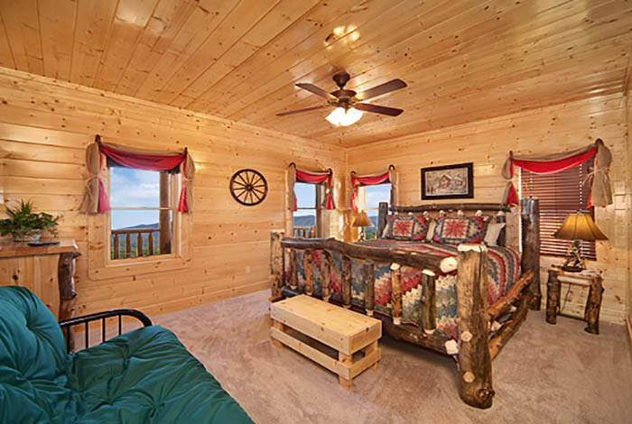 pigeon forge cabin legacy lodge 12 bedroom sleeps 58 jacuzzi
