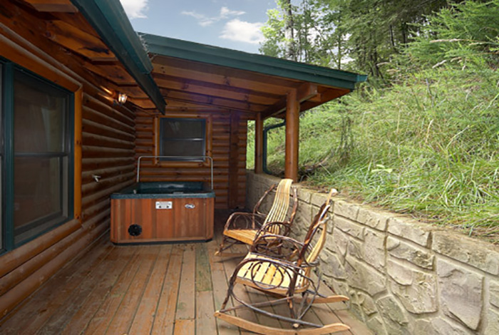 gatlinburg cabin the honeymooner 1 bedroom sleeps 4 jacuzzi