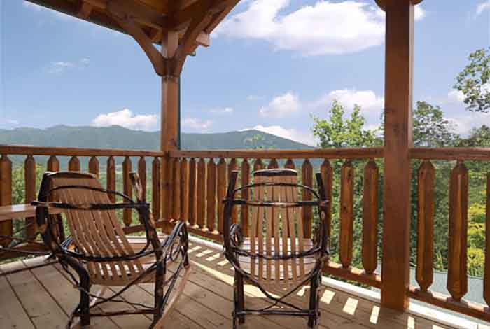 Gatlinburg cabin lookout ridge 3 bedroom sleeps 12 for Smoky mountain ridge cabins
