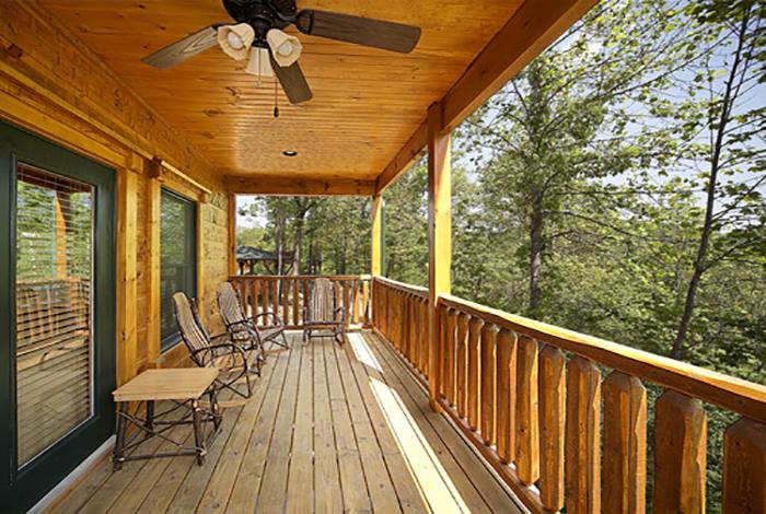 Gatlinburg Cabin The Treehouse 3 Bedroom Sleeps 10