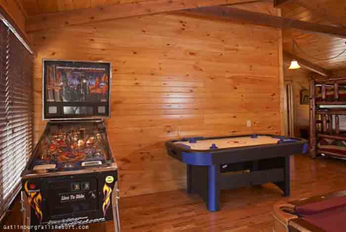 lrg goes luxury from jpeg smoky cabins rest mountain gatlinburg title rentals here game tn gf above gallery