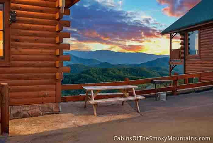 Pigeon forge cabin million mile view 1 bedroom sleeps 6 for Www cabins of the smoky mountains com