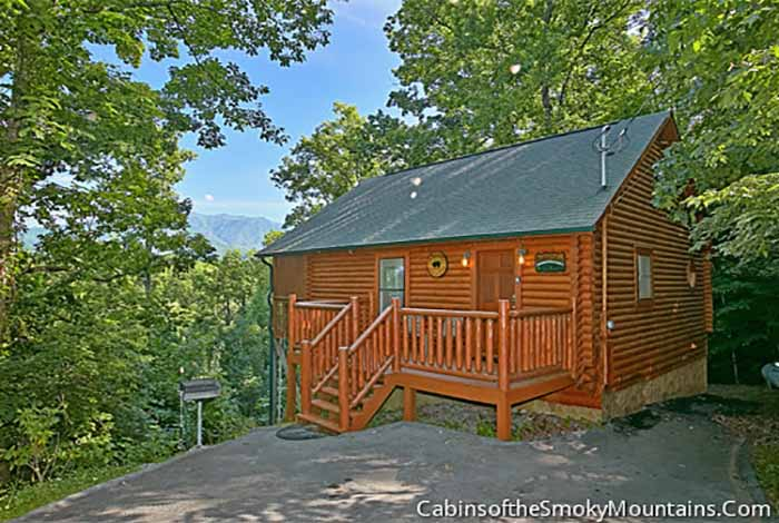 gatlinburg cabin tranquility 1 bedroom sleeps 4 jacuzzi