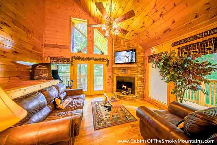 Pigeon forge cabin tranquility den 2 bedroom sleeps for 2 bedroom cabin in pigeon forge