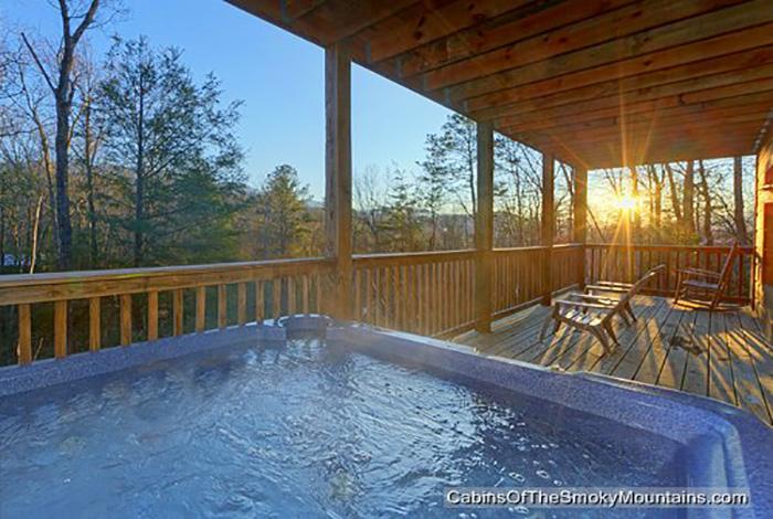 Gatlinburg Cabin - Up & Away - 3 Bedroom - Sleeps 10 - Jacuzzi ...