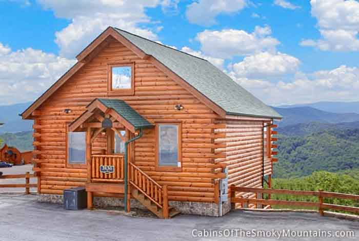 Pigeon forge cabin mountain top view retreat 1 bedroom for Best mountain view cabins in gatlinburg tn