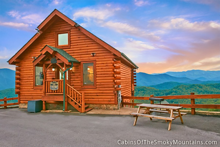 Pigeon forge cabin mountain top view 1 bedroom for Best mountain view cabins in gatlinburg tn