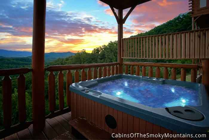 2 bedroom cabins in gatlinburg pigeon forge tn for Cabin in gatlinburg with hot tub