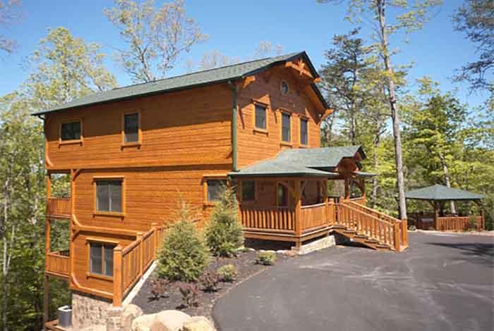 Pigeon forge cabin wilderness lodge 4 bedroom sleeps 12 for Premier smoky mountain cabin rentals