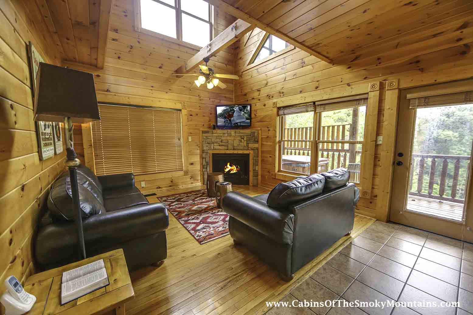 Gatlinburg Cabin Daydreamer 39 S Delight 2 Bedroom Sleeps 12