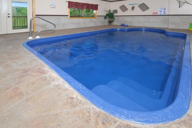 Pigeon forge cabin aqua paradise 2 bedroom sleeps 10 - Gatlinburg falls resort swimming pool ...