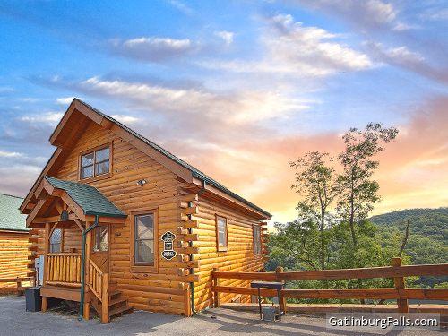 Pigeon forge cabin views of god 39 s country 2 bedroom for God s gift cabin gatlinburg