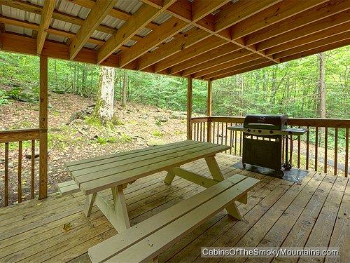 gatlinburg cabin nature 39 s haven 6 bedroom sleeps 20 jacuzzi