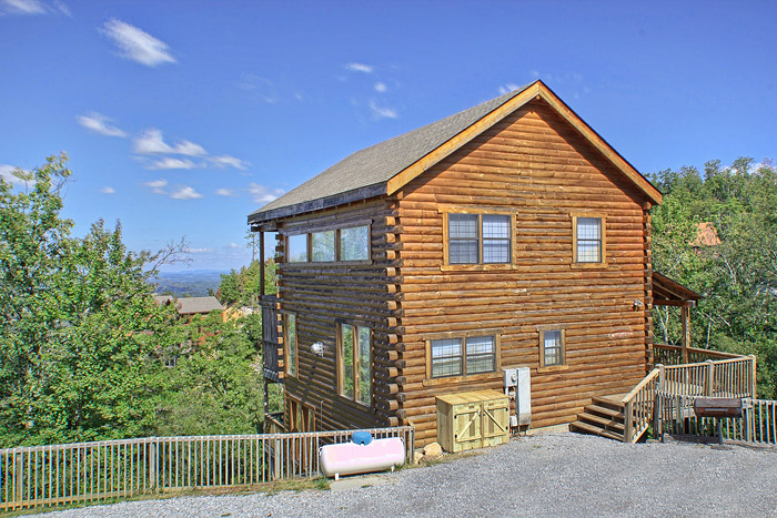 Pigeon forge cabin million dollar view 3 bedroom sleeps 12 jacuzzi home theater for 3 bedroom cabins in smoky mountains