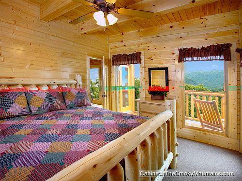 Gatlinburg Cabin Papa Bears Cabin 8 Bedroom Sleeps 30 Jacuzzi Bunk Beds