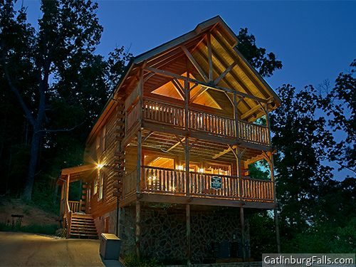 Smoky Mountain Cabins ~ Wears valley cabin mountain top retreat bedroom