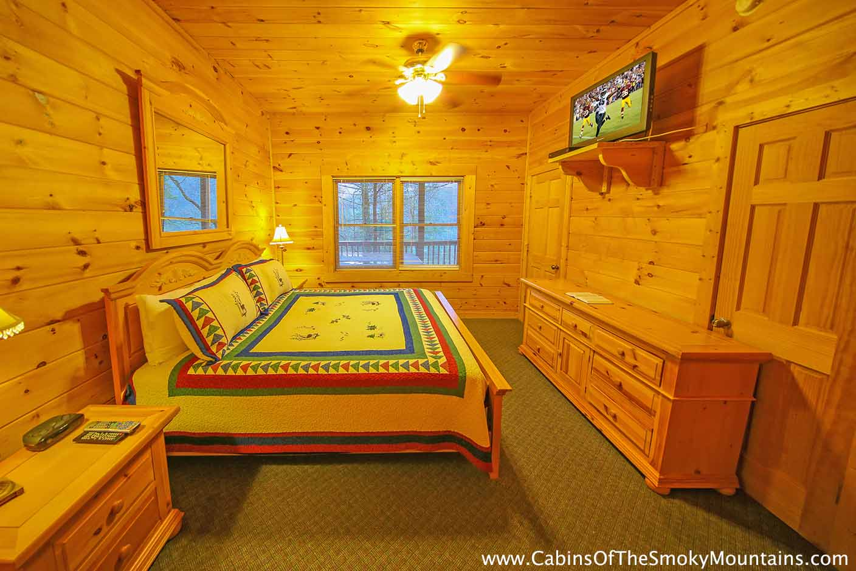 Pigeon forge cabin smoky mountain ridge 3 bedroom sleeps 10 for 3 bedroom cabins in smoky mountains