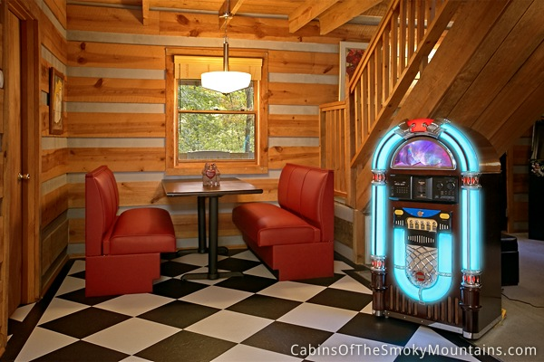Pigeon Forge Cabin Good Vibrations From