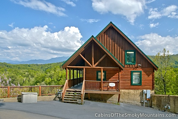 Pigeon forge cabin lap of luxury 6 bedroom sleeps 20 for Cabin rentals near smoky mountains