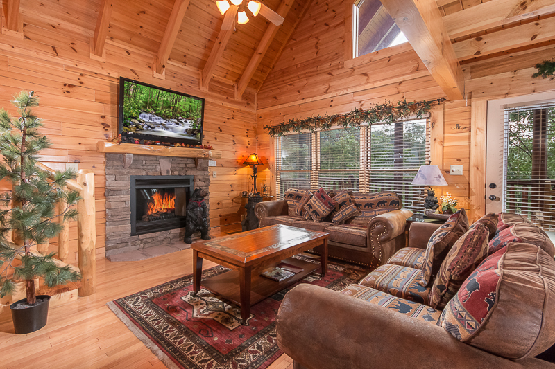 Pigeon forge cabin family traditions from for Pigeon forge cabin coupons