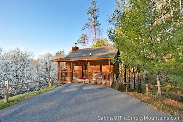 Pigeon forge cabin secret seclusion 1 bedroom sleeps 2 for Private secluded cabins in pigeon forge