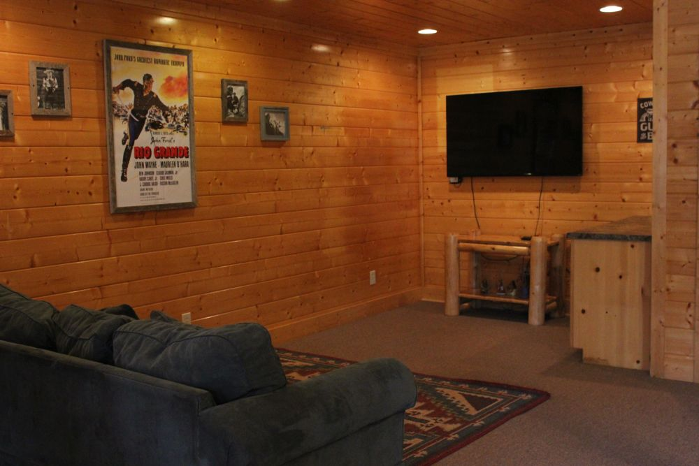 Pigeon Forge Cabin Peaceful Retreat 2 Bedroom Sleeps 12