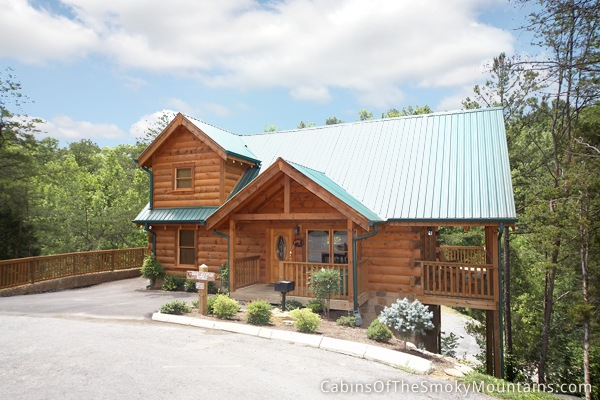 3 bedroom cabins in gatlinburg pigeon forge tn for Smoky mountain nc cabin rentals