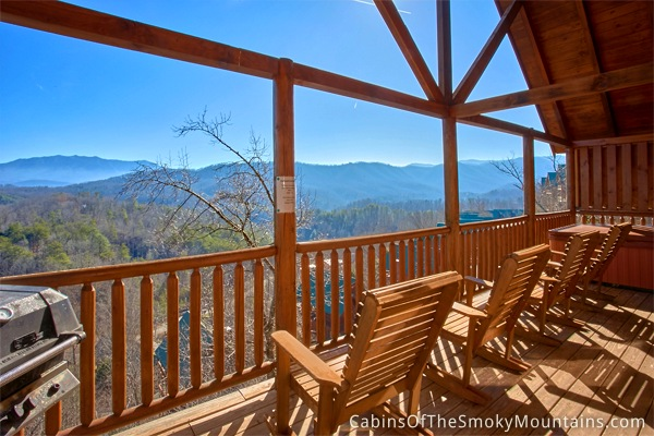 Pigeon Forge Cabin Tennessee Livin 39 4 Bedroom Sleeps 12 Jacuzzi Swimming Pool Access