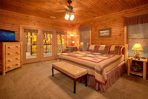 Gatlinburg Cabin King Of The Mountain 4 Bedroom Sleeps 16 Bunk Beds Swimming Pool