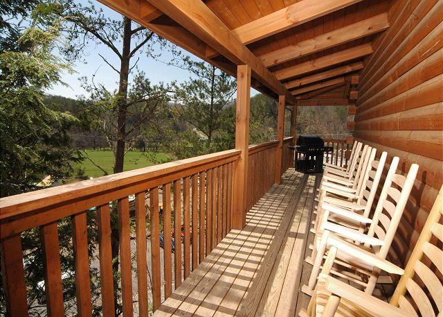Gatlinburg Cabin Honey Bear Lodge 4 Bedroom Sleeps 12 Jacuzzi Loft