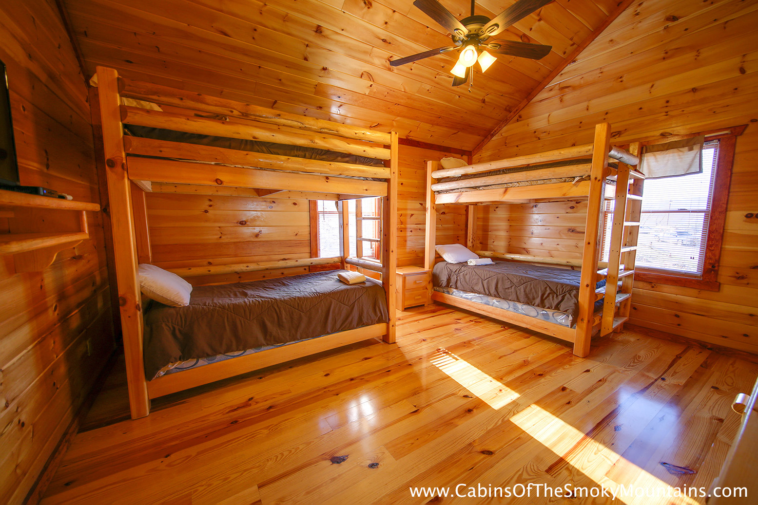 Pigeon forge cabin jennie 39 s cove 6 bedroom sleeps 16 for 6 bedroom cabins