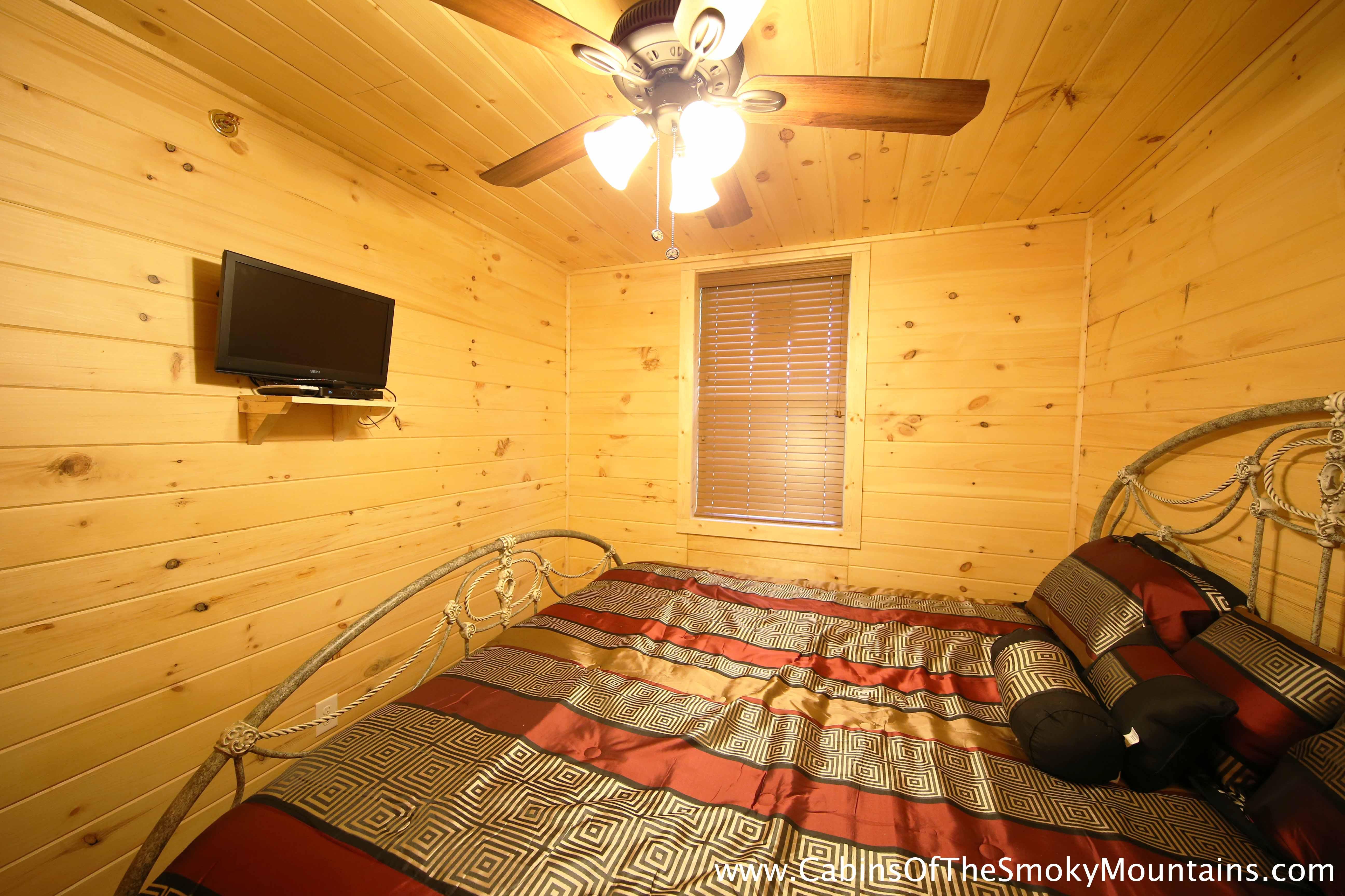 Pigeon Forge Cabin Avatar View 2 Bedroom Sleeps 6