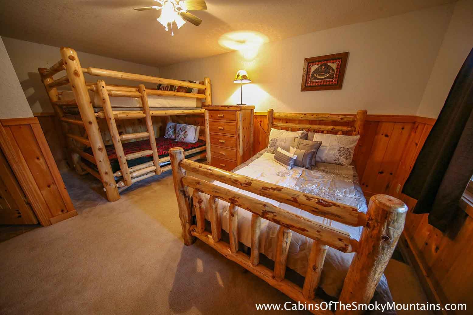 Pigeon Forge Cabin Hidden Owl Lodge 4 Bedroom Sleeps 19