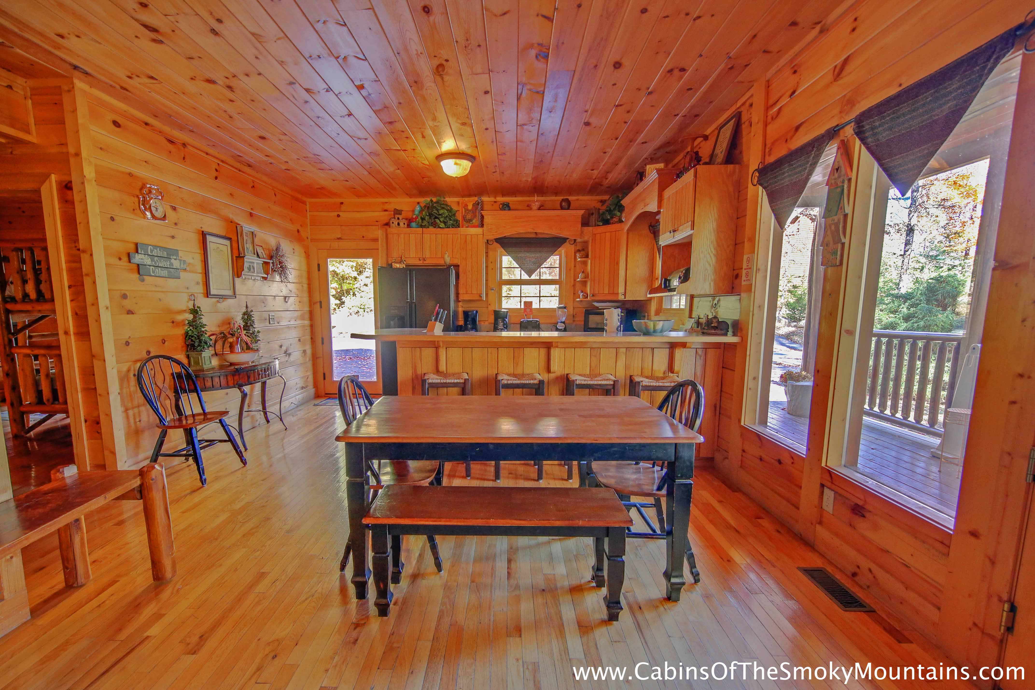 Pigeon forge cabin about time 4 bedroom sleeps 13 for Gatlinburg cabins for couples