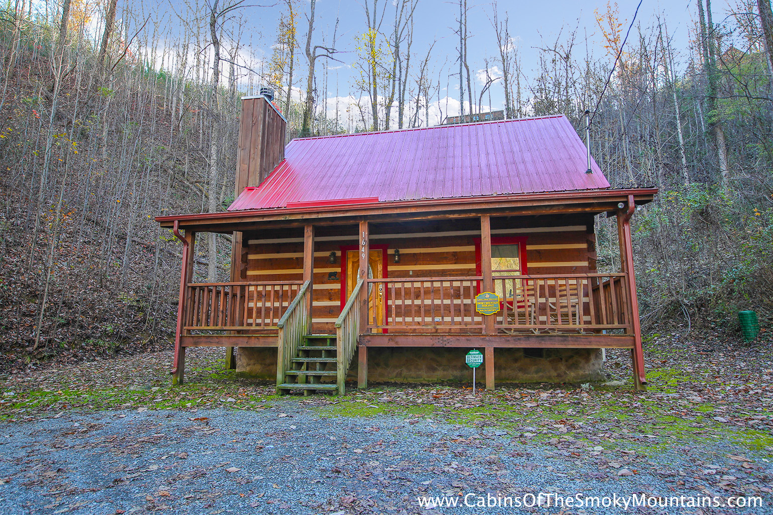 Smoky Mountain Cabins ~ Pigeon forge cabin smoky mountain hideaway bedroom