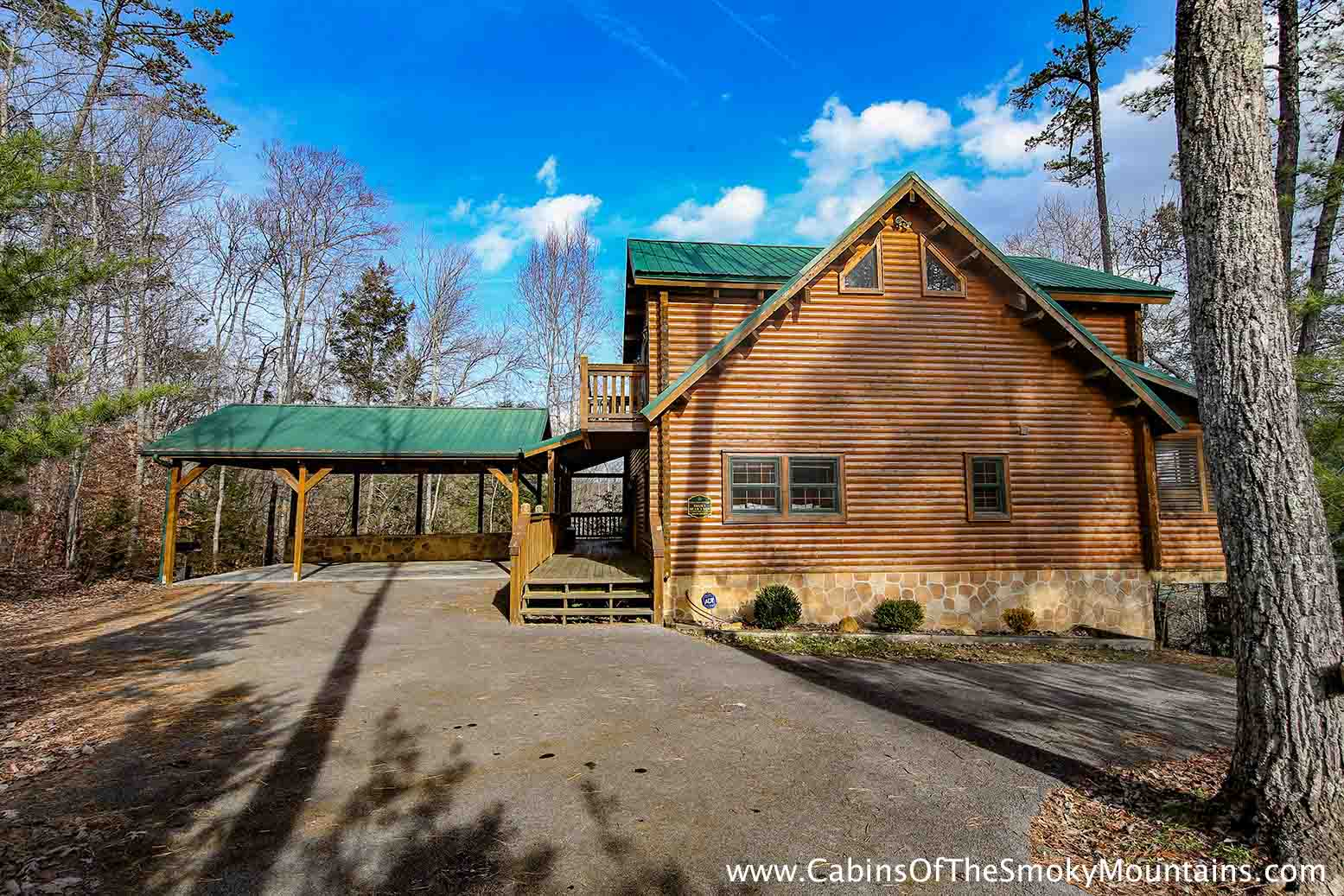 Pigeon forge cabin smoky bear 39 s den 5 bedroom sleeps 14 for Rent cabin smoky mountains