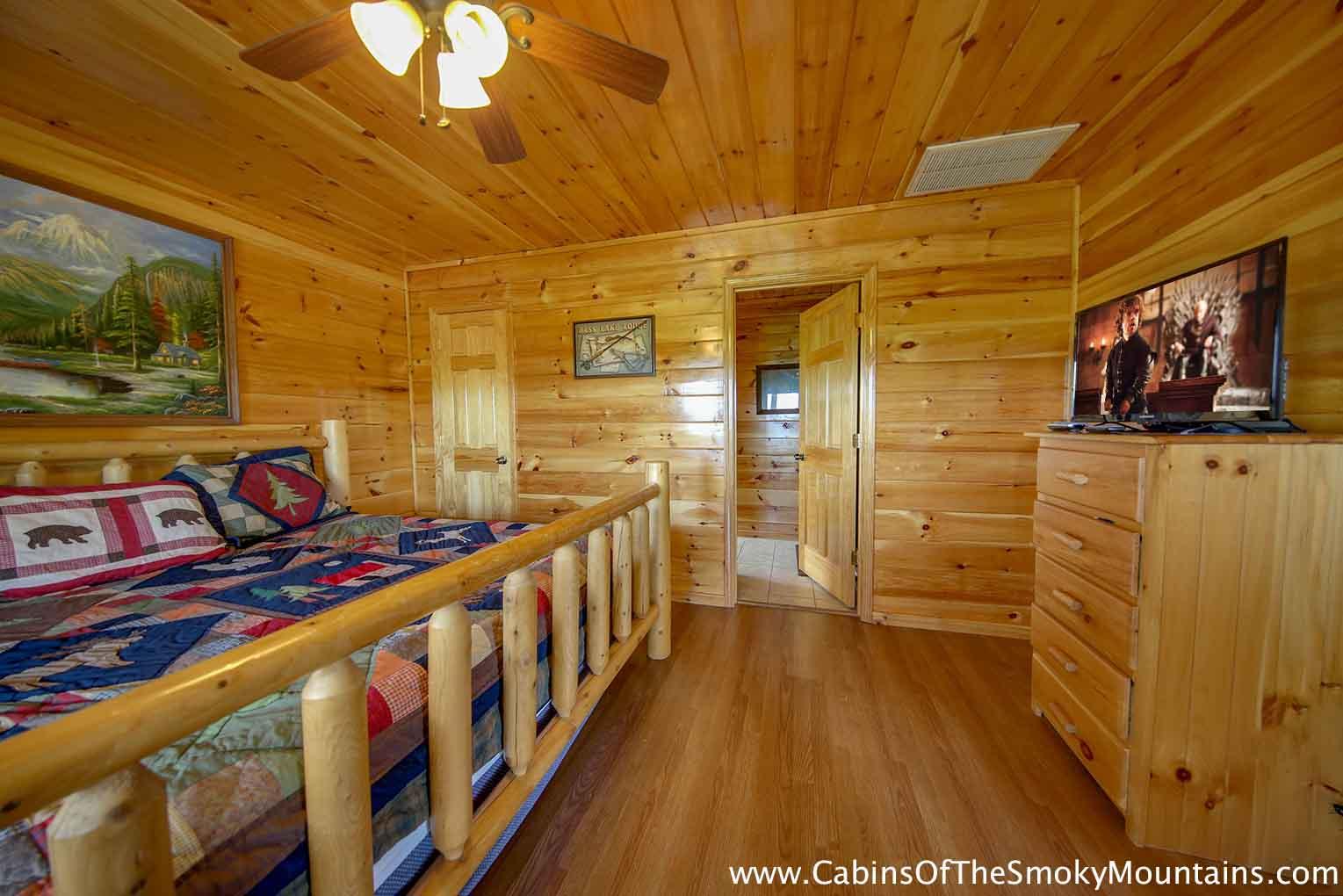 Pigeon Forge Cabin - 6 Suites Lodge - 6 Bedroom - Sleeps 18