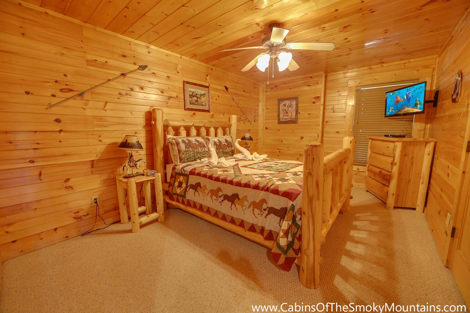 gatlinburg cabin cherokee ridge 3 bedroom sleeps 10 jacuzzi