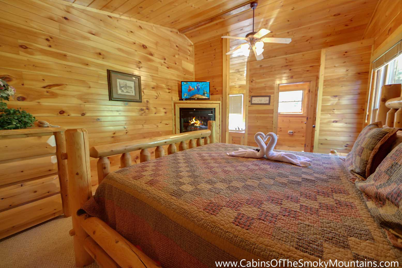 Gatlinburg cabin cherokee ridge from for Nuvola 9 cabin gatlinburg