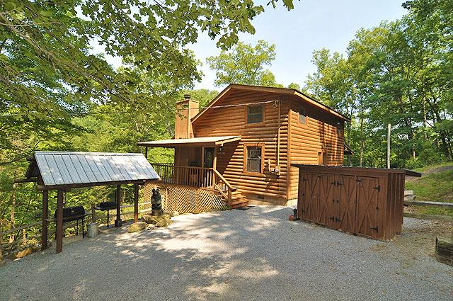Pigeon forge cabin mountain laurel 3 bedroom sleeps 8 for Eagles view cabin sevierville tn