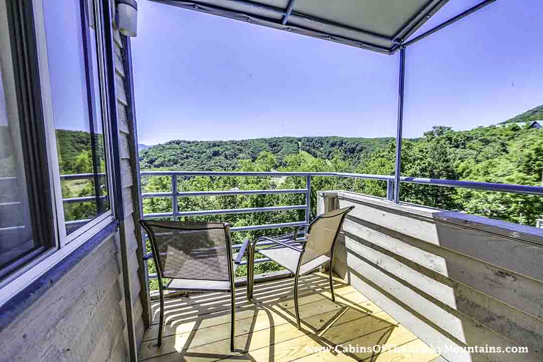 Gatlinburg cabin summit view 2 bedroom sleeps 6 - Gatlinburg falls resort swimming pool ...