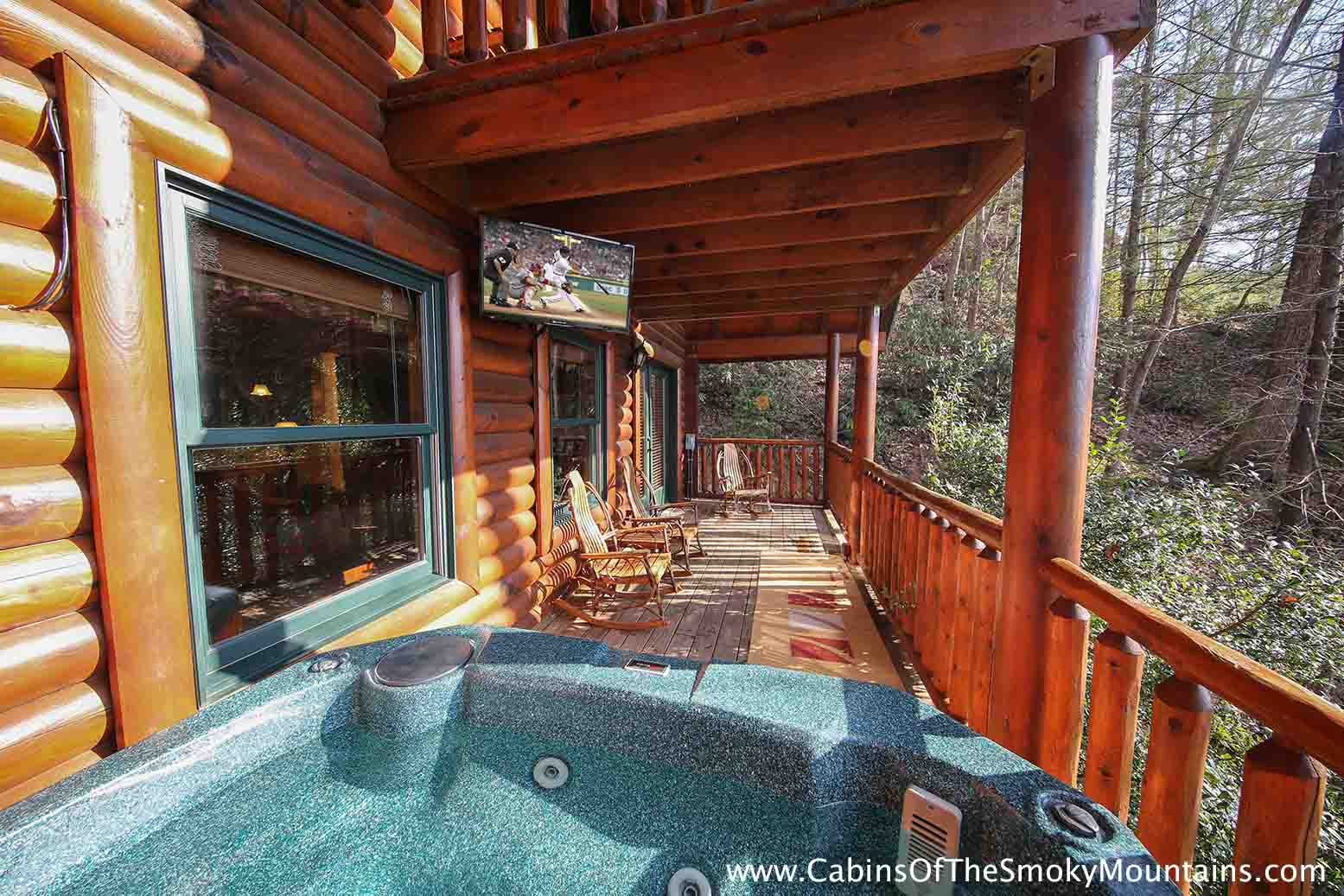 Gatlinburg cabin comfort zone 3 bedroom sleeps 13 for Cabin in gatlinburg with hot tub