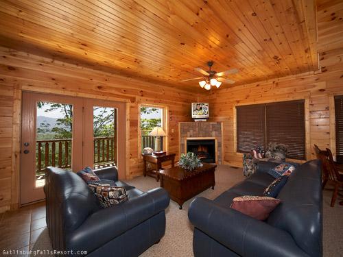 Gatlinburg Cabin - For Spacious Skies - 4 Bedroom - Sleeps 16 ...