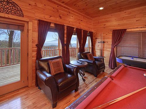 Gatlinburg Cabin Four Seasons 2 Bedroom Sleeps 9 Jacuzzi Swimming Pool Access Bunk Beds