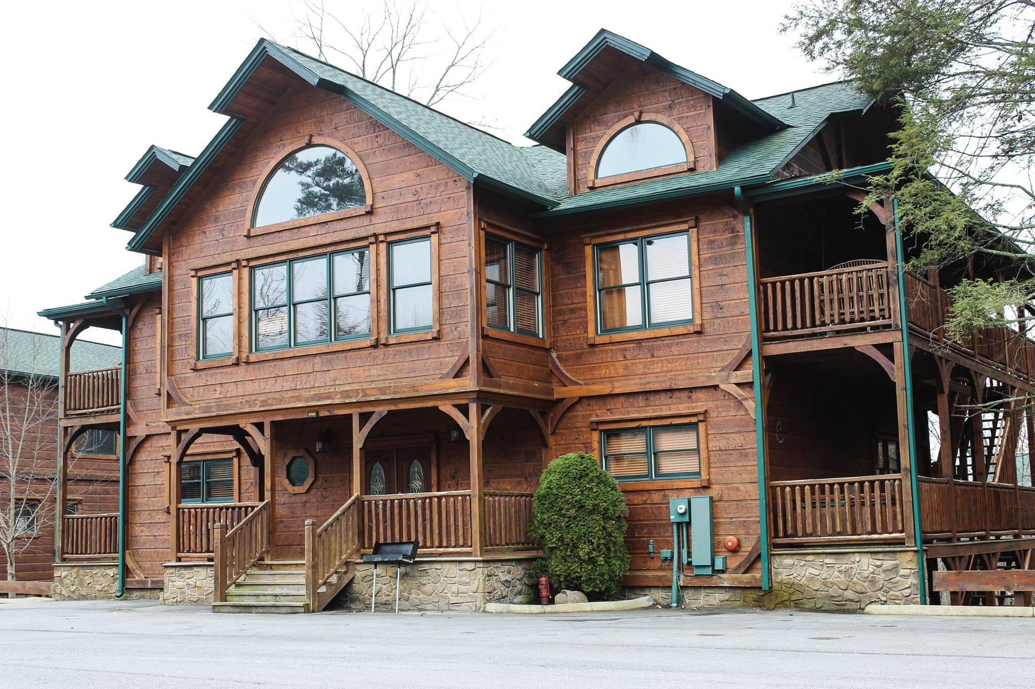rentals with military gatlinburg owner by cabin discount friendly for cabins cheap pet rent s pool