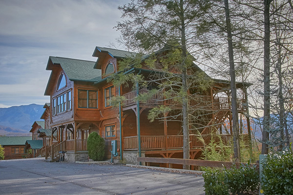 gatlinburg cabin cloud nine 9 bedroom sleeps 32