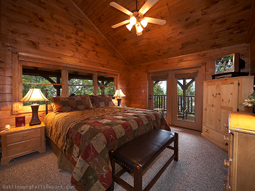 Gatlinburg Cabin The Big Kahuna 9 Bedroom Sleeps 32 Jacuzzi Bunk Beds Jukebox